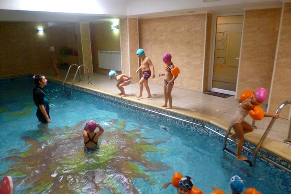 Grădinița Căsuța din pădure • piscina • activități